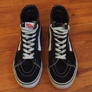 Hightop VANS Sk8 shoes